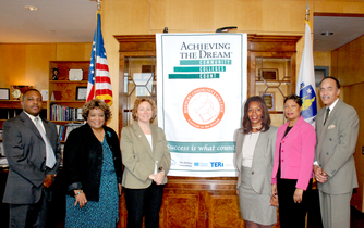 """ROXBURY COMMUNITY COLLEGE IS RECOGNIZED AS AN """"ACHIEVING THE DREAM"""" COLLEGE (2007)"""